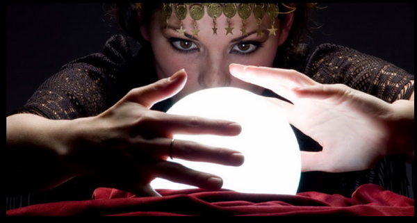 Furtune_Telling,_Crystal_Ball,_Gypsy,_Paranormal_Research_Forum a